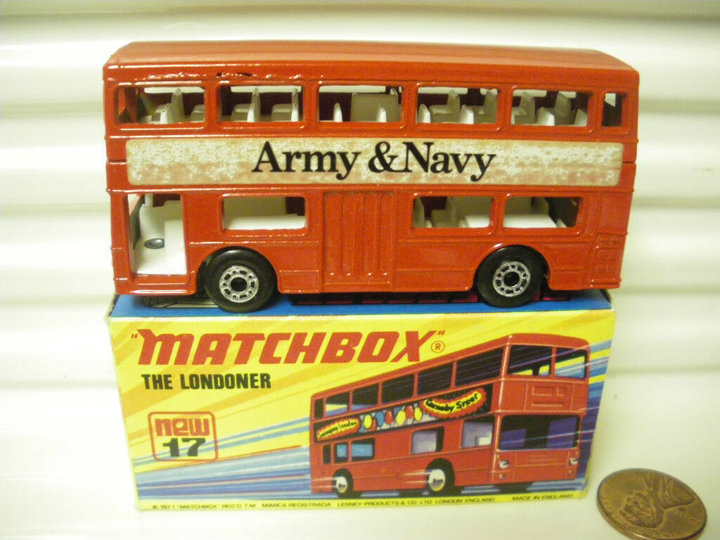 MATCHBOX MB17B 1972  ARMY & NAVY  WITH CHARCOAL METAL BASEPLATE MINT BOXED