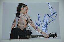 Miyavi  石原貴雅 signed 20x30cm  Foto Autogramm / Autograph in Person