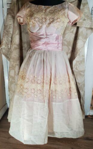 Vintage 1950s Light Pink Taffeta & Lace Full Skirt