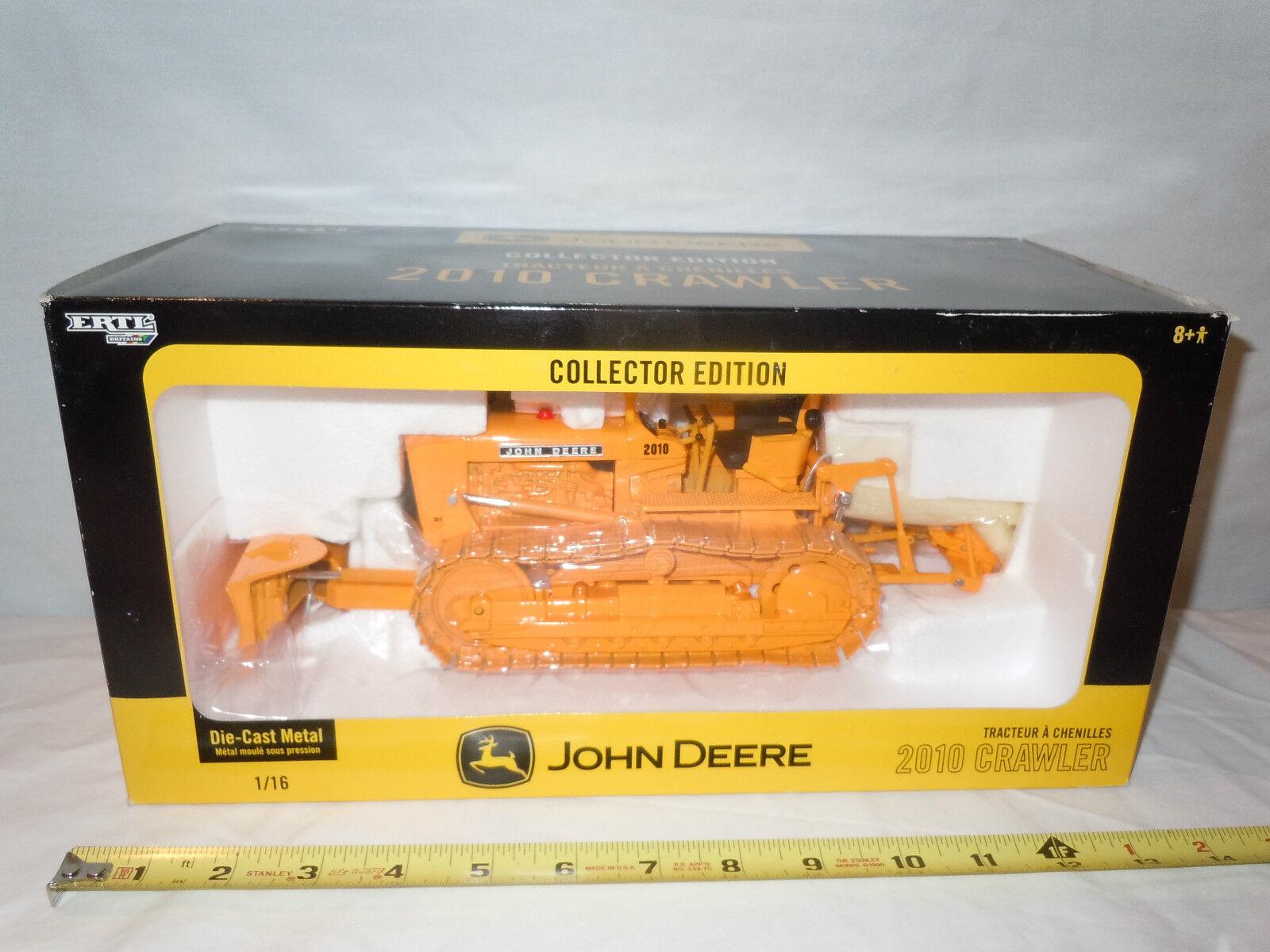 vendita online John Deere 2010 Crawler With Blade & Ripper  Collector Collector Collector edizione   By Ertl     vendita scontata online di factory outlet