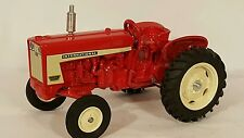 International  606 1/16 diecast farm tractor replica collectible by Spec Cast