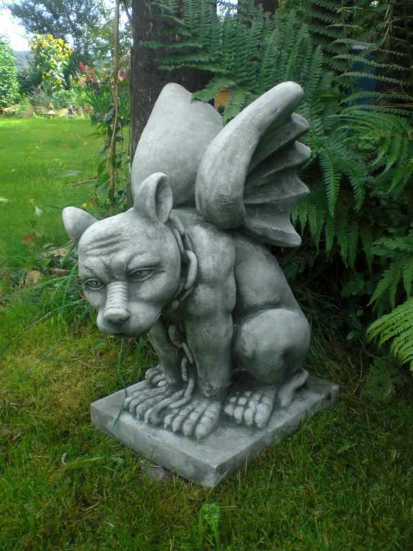 Steinfigur Gargoyle Höllenhund Torwächter Gartenfigur massiv 47 cm hoch Neu