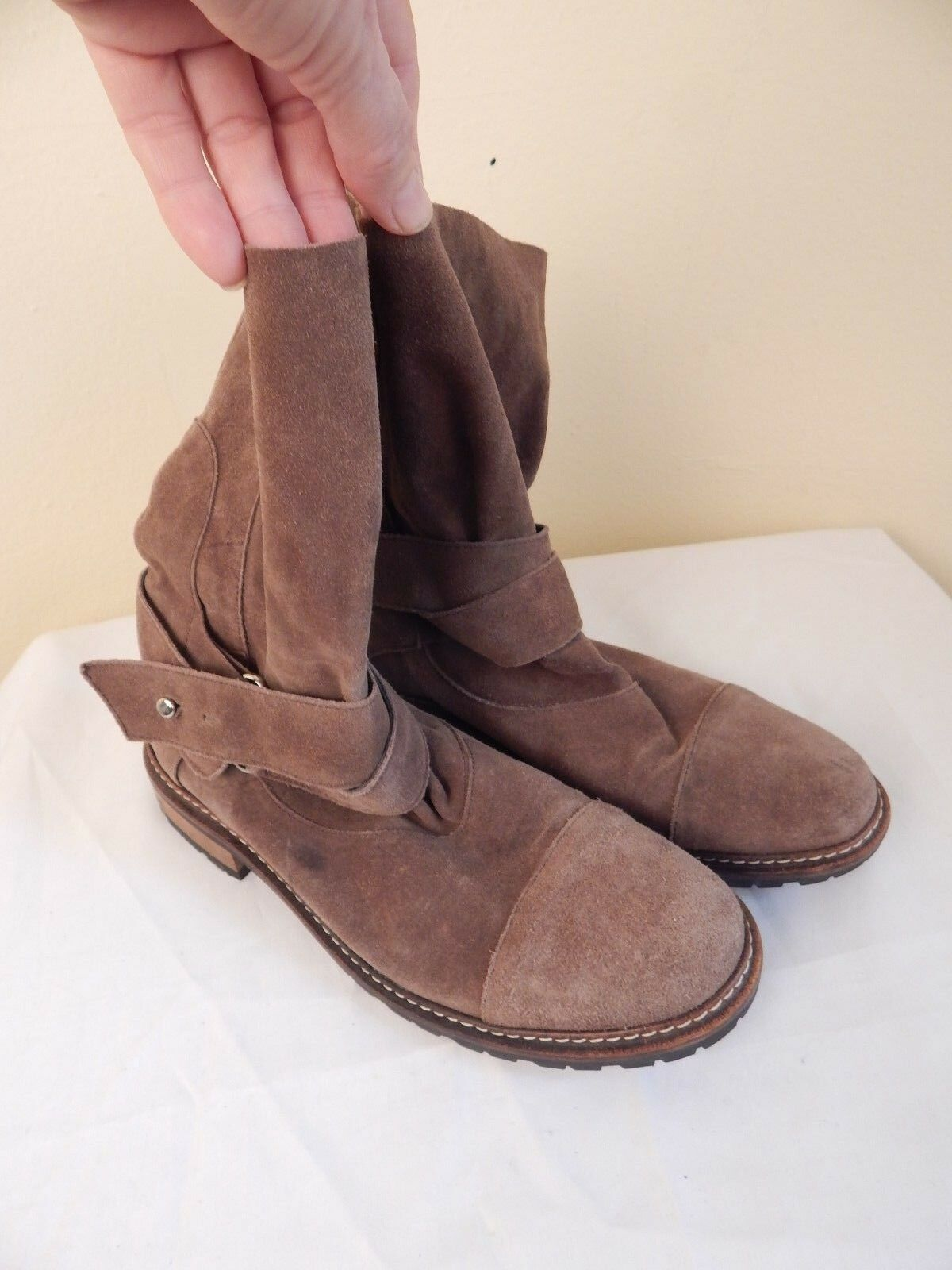 Womens suede boots lavorazione, size 39, wood heel, excellent condition, italy