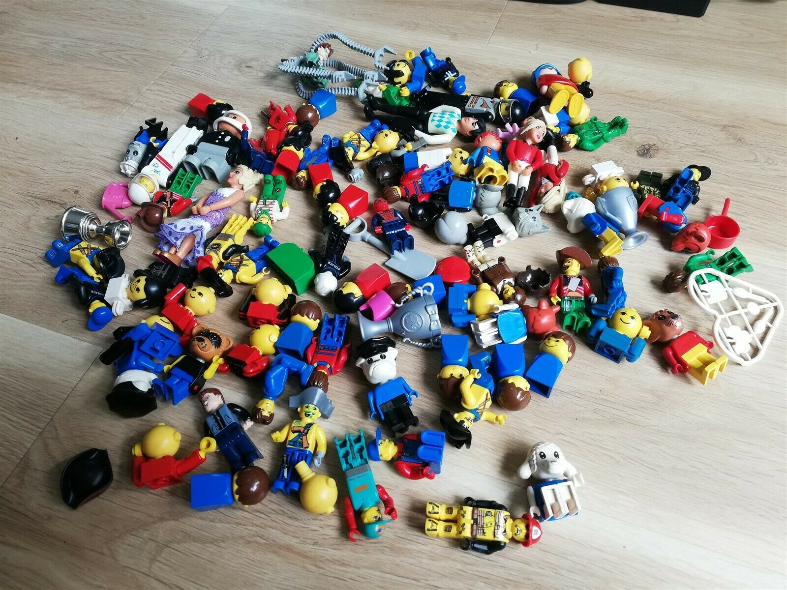 LEGO Bulk Lot Fabuland, Vintage, maxifig, creator figures and more
