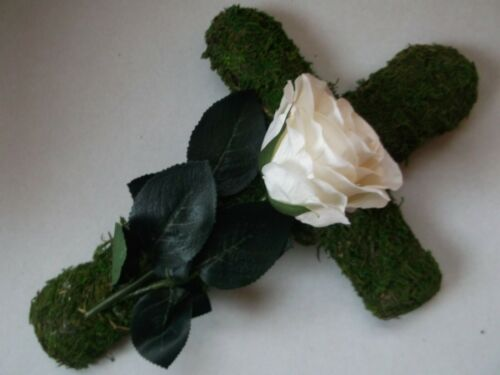 Mooskreuz,Rose Bordeaux o.Creme Grabschmuck Grabgesteck Urnengrab Allerheiligen