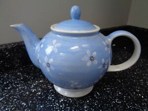WHITTARD OF CHELSEA BLUE TEAPOT - <span itemprop=availableAtOrFrom>Colne, Lancashire, United Kingdom</span> - Returns accepted Most purchases from business sellers are protected by the Consumer Contract Regulations 2013 which give you the right to cancel the purchase within 14 days afte - Colne, Lancashire, United Kingdom