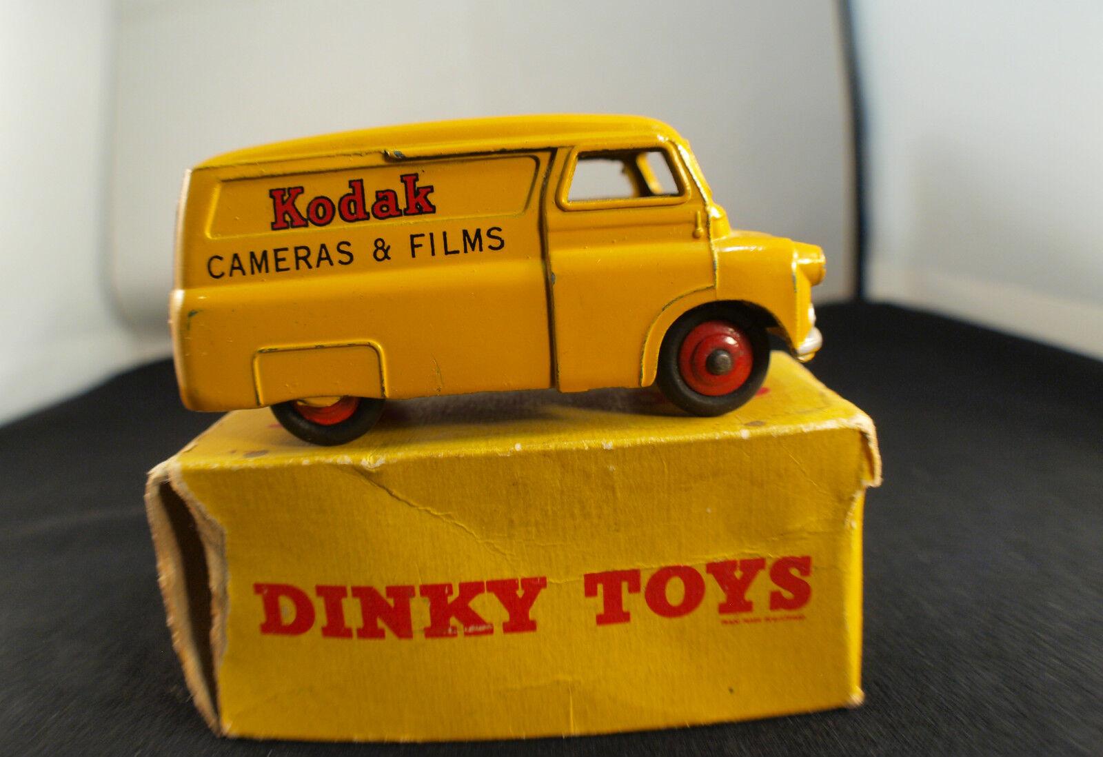 Dinky Toys GB 480 Bedford Kodak Van en Caja