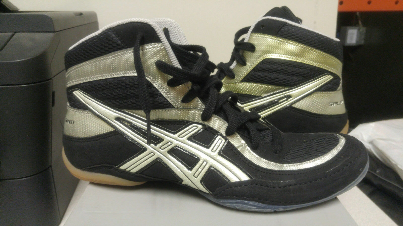 Asics - Split Second 7 - Men's size 10.5 - JY802-9001