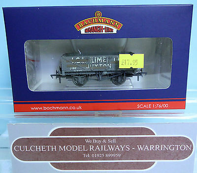 Bachmann 'oo' Gauge 37-040 'ici (lime) 5 Plank Wagon With Load *weathered* Boxed Eppure Non Volgare
