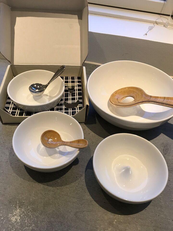 Porcelæn, Salatskål med bestil, 3 olivenskåle m/u ske