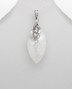 Mesmerising-shell-decorated-with-sterling-silver-pendant-Womens-jewellery