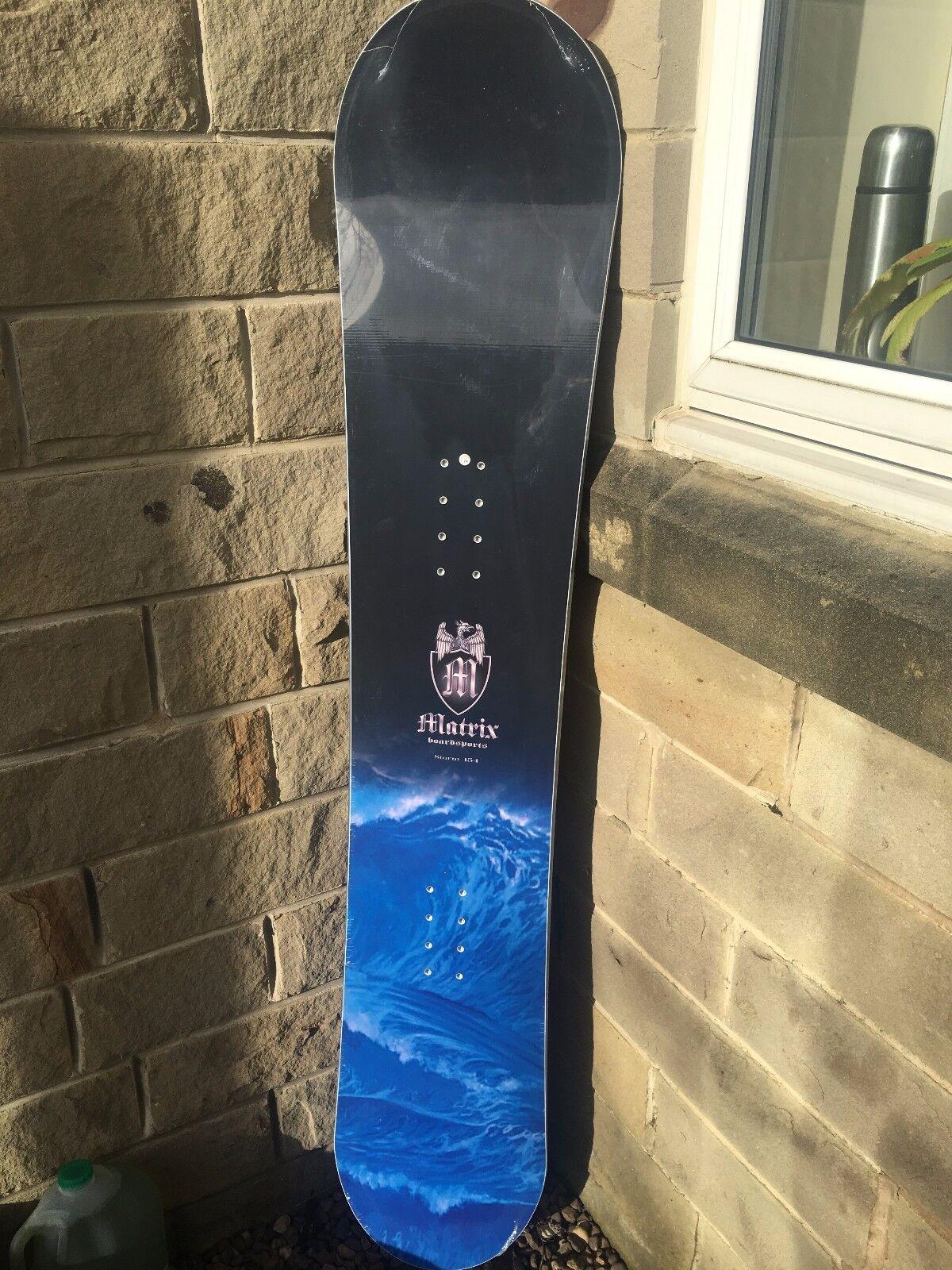 Heli Brand nieuwe Gratisride Snowboard of afmeting 156 en Model Storm and MAG Binding