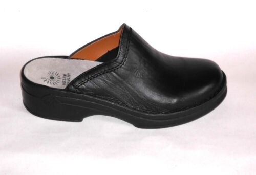 Helix Clogs schwarz Leder Fußbett  Markenqualität  Pantoffeln Pantoletten neu