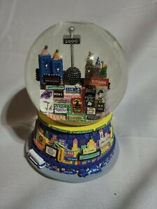 New-York-City-Year-2000-Snow-Globe-Broadway-Twin-Towers-Music-Box-Times-Square