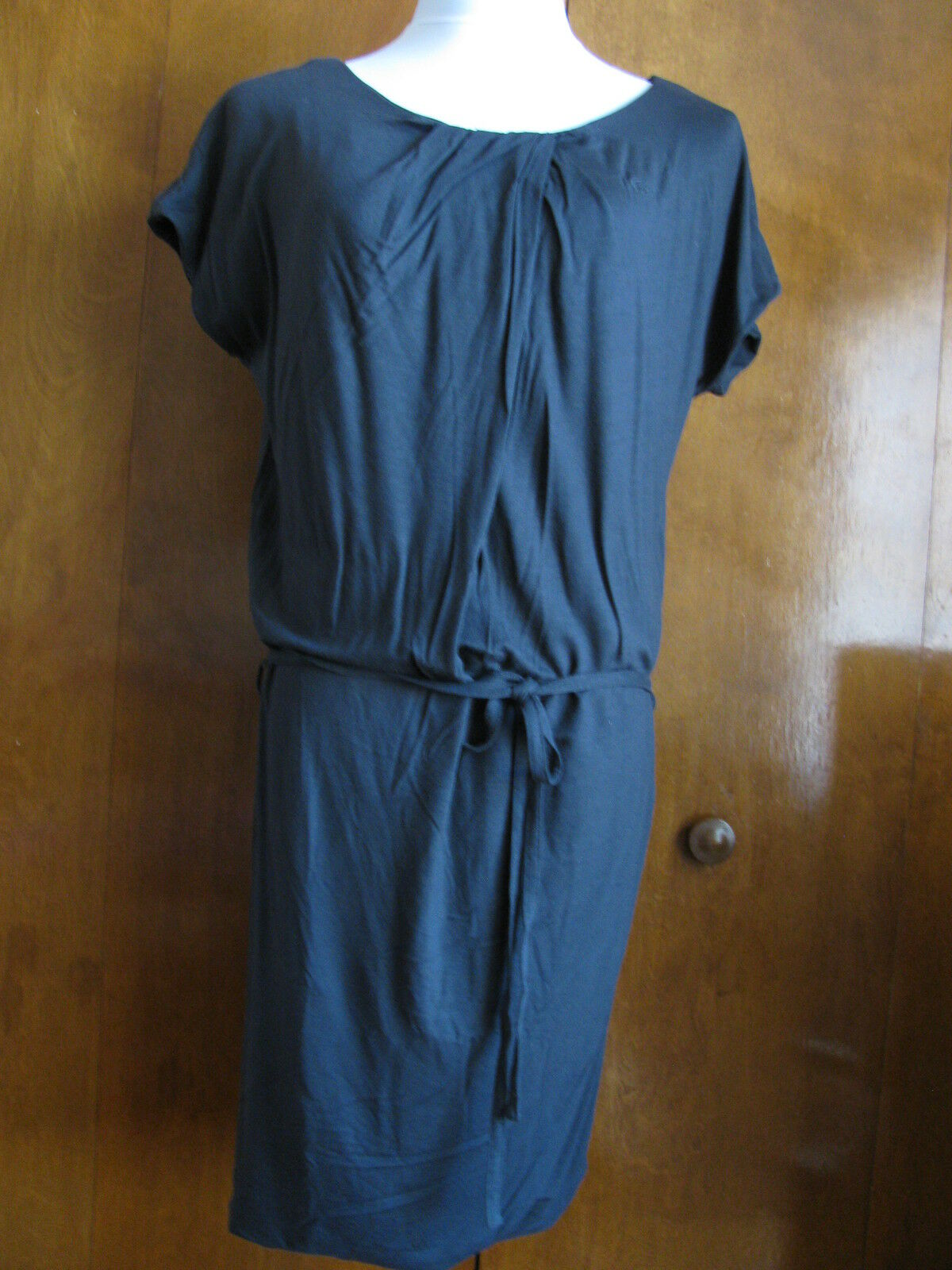 Lacoste Woherren schwarz Lined Dress Größe 4 Europe 36 NWT