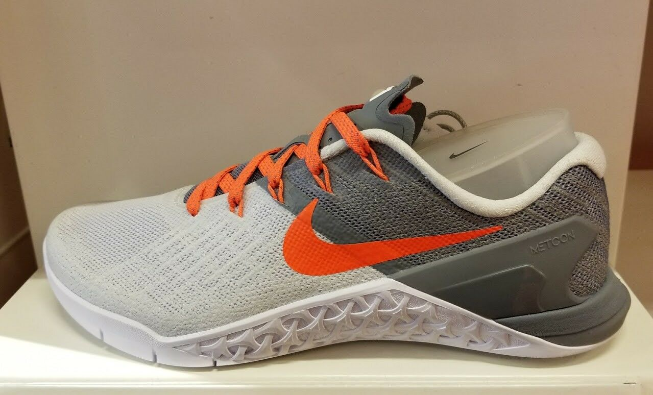 WOMEN'S NIKE METCON 3 TRAINING SHOE - Pure Platinum 7.5 & 11
