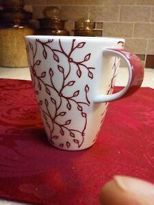 Villeroy Boch Caffe Club Floral Berry Burgundy 4 Tall Mug