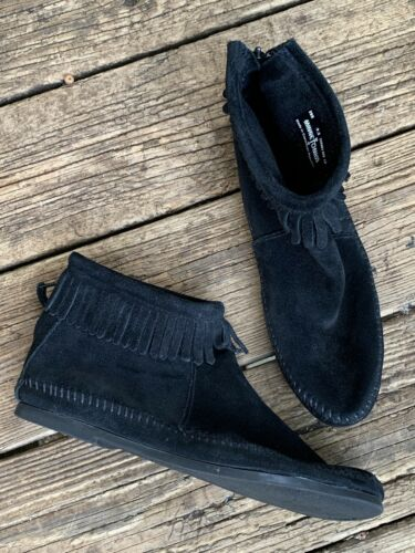 MINNETONKA MOCCASINS Fringe Pow Pow Black Leather