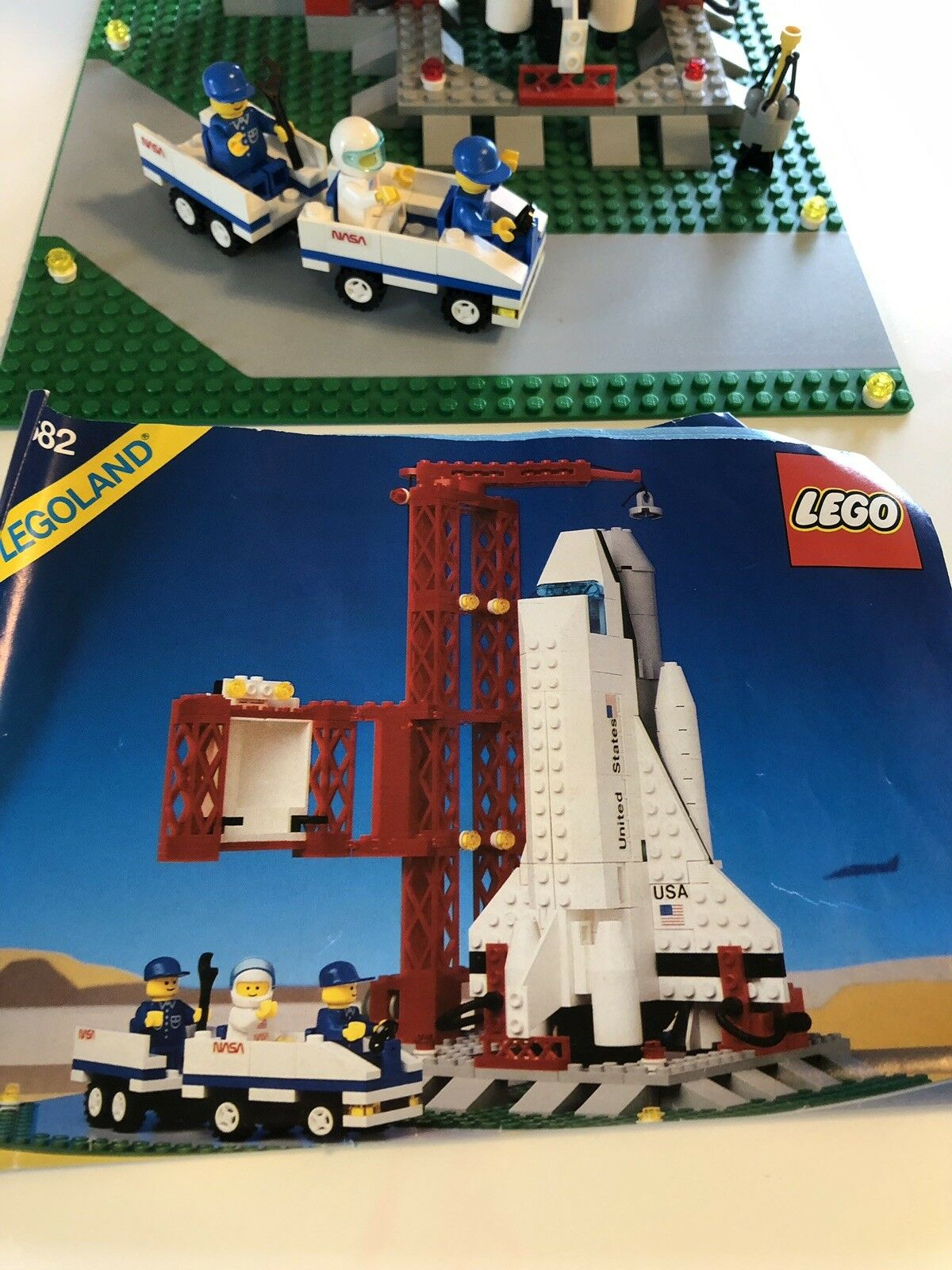 COMPLETE Lego Legoland Town System, Space Shuttle Classic Town Town Town 942387