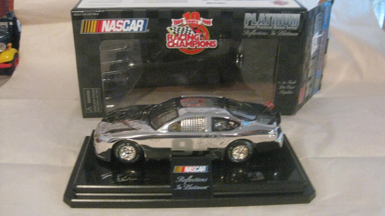 Jerry Nadeau Nascar Trackside firmado Cartoon Network Taurus 124 escala Diecast
