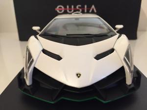 Kyosho-Ousia-09501WG-Lamborghini-Veneno-Blanc-Vert-Ligne-1-18-Echelle