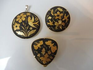 3-Beautiful-old-Trim-Powder-Box-Brooch-And-Pendant-Gold-Plated-Toledo