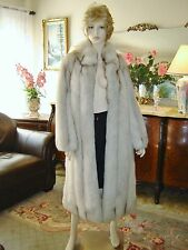 GORGEOUS NATURAL NORWEGIAN WHITE BLUE FOX FUR COAT EXCELLENT CONDITION, SZ S - M