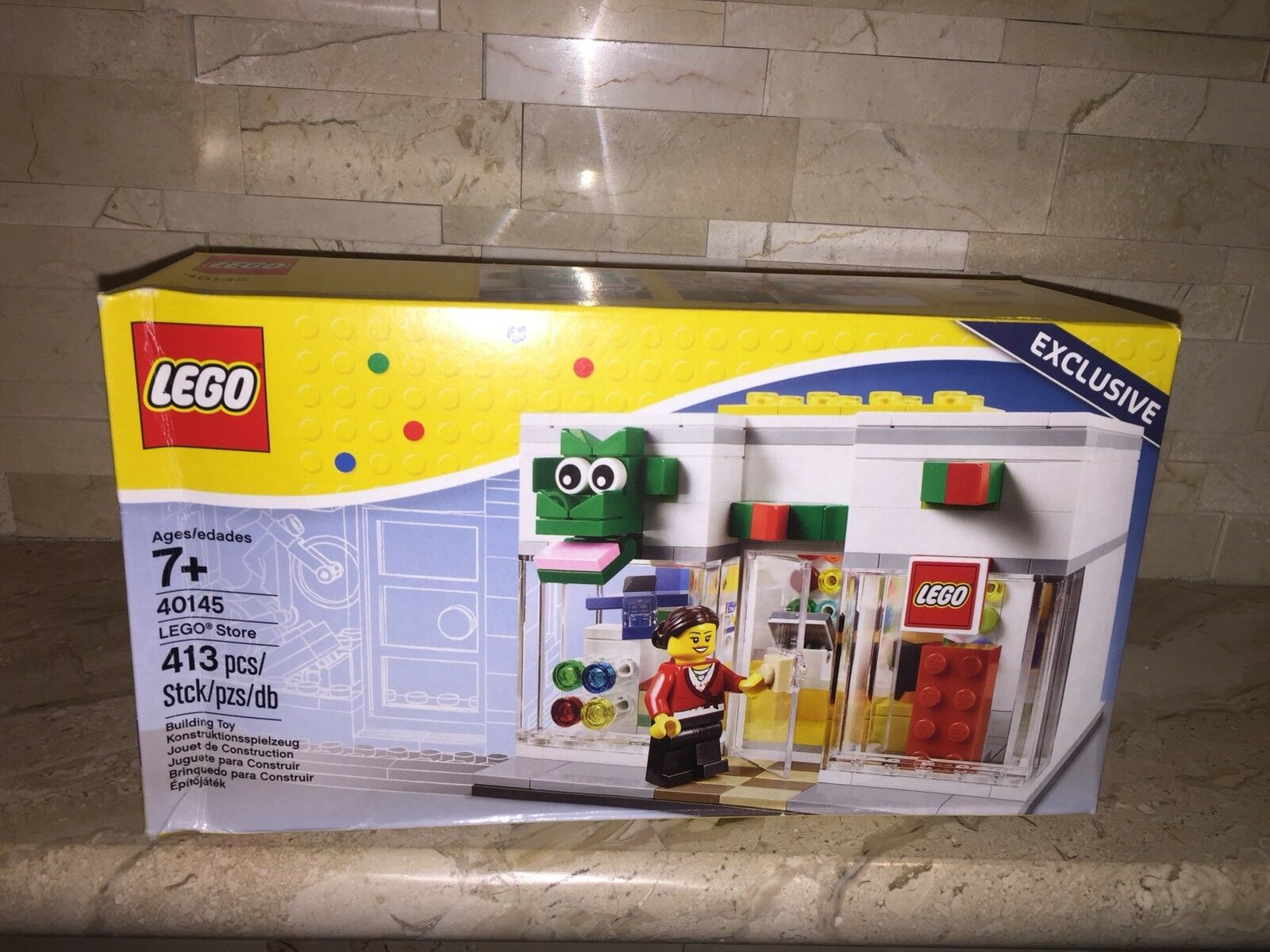 LEGO EXCLUSIVE STORE SET 40145