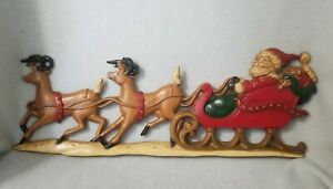 Vintage-Santa-Sleigh-Reindeer-Cast-Metal-Wall-Hanging-Christmas-Sexton-USA