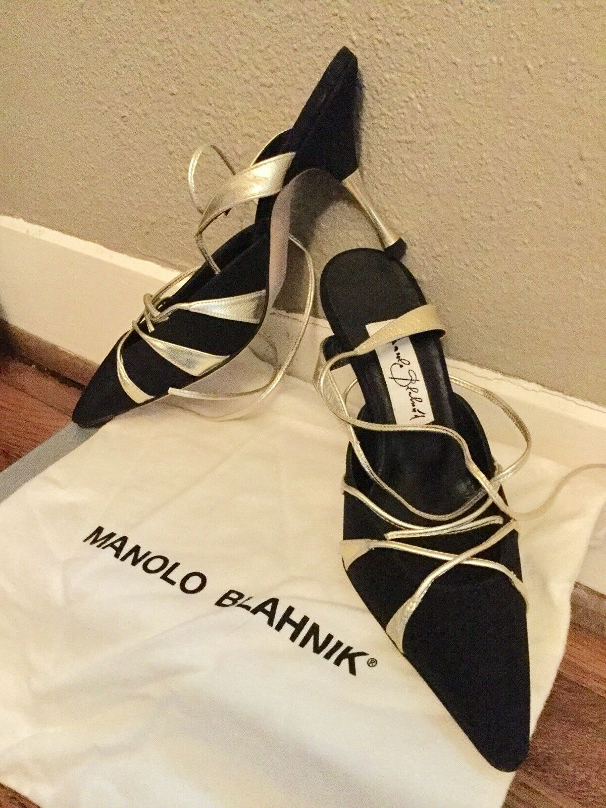 DISCOUNT FOR HOLIDAYS.   NEW SEXY Manolo Blahnik size 36 6