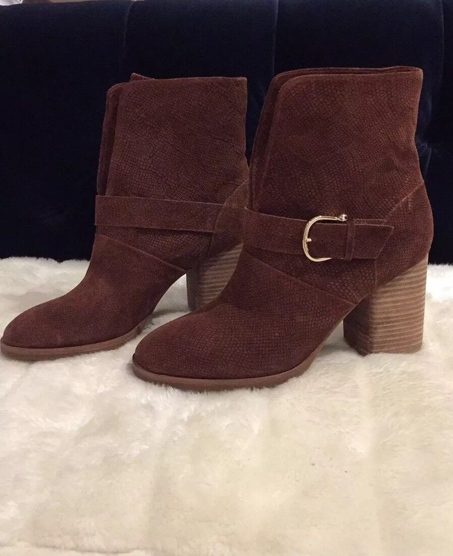 Isola Leather Bootie Size 9