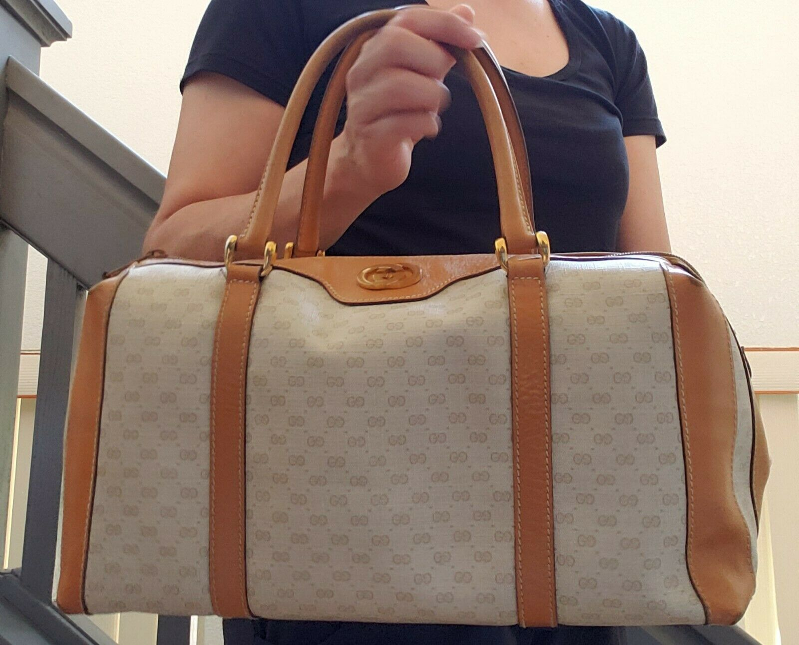 Vtg Gucci Tan GG Monogram Signature Boston Doctor… - image 2