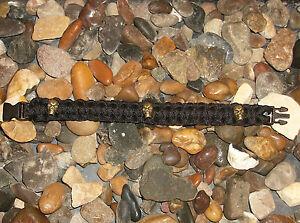 550 Paracord Bracelet avec 3 perles de crâne  </span>