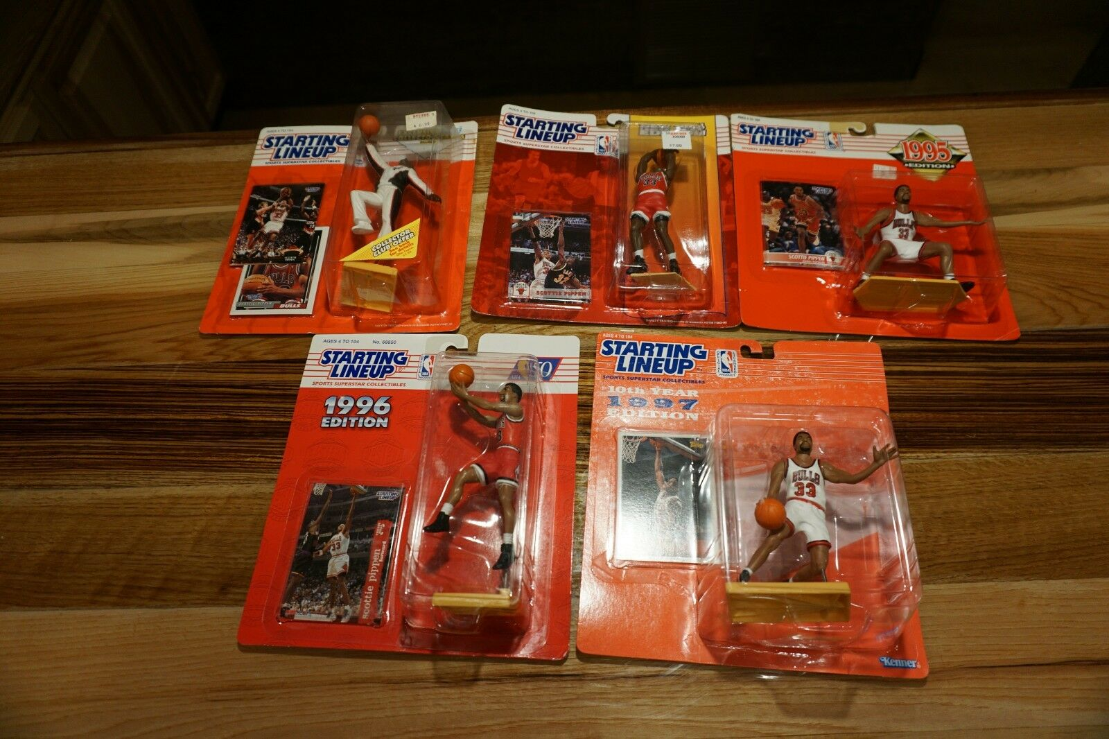 5 SCOTTIE PIPPEN Starting Lineup Figures New in Box (93,94,95,96,97)