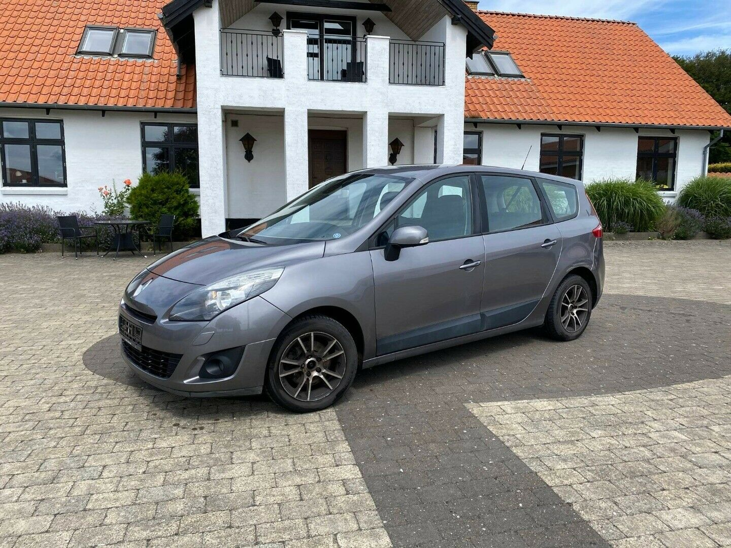 Renault Grand Scenic III 1,9 dCi 130 Expression 7prs 5d - 39.900 kr.
