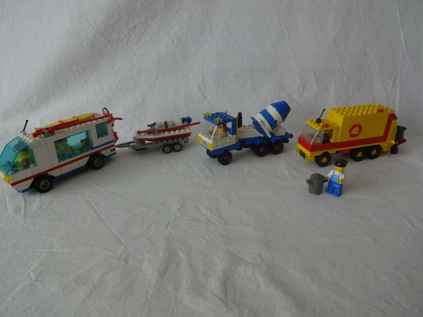 LEGO ® City 6351 SURF N'SAIL CAMPER, 6682 Cement Mixer, 6693 Refuse Collection T