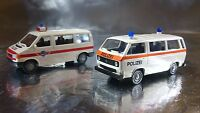 * Miniatur Modell 2413 VW T3 and T4 Two Car Set Polizei / Police 1:87 HO Scale