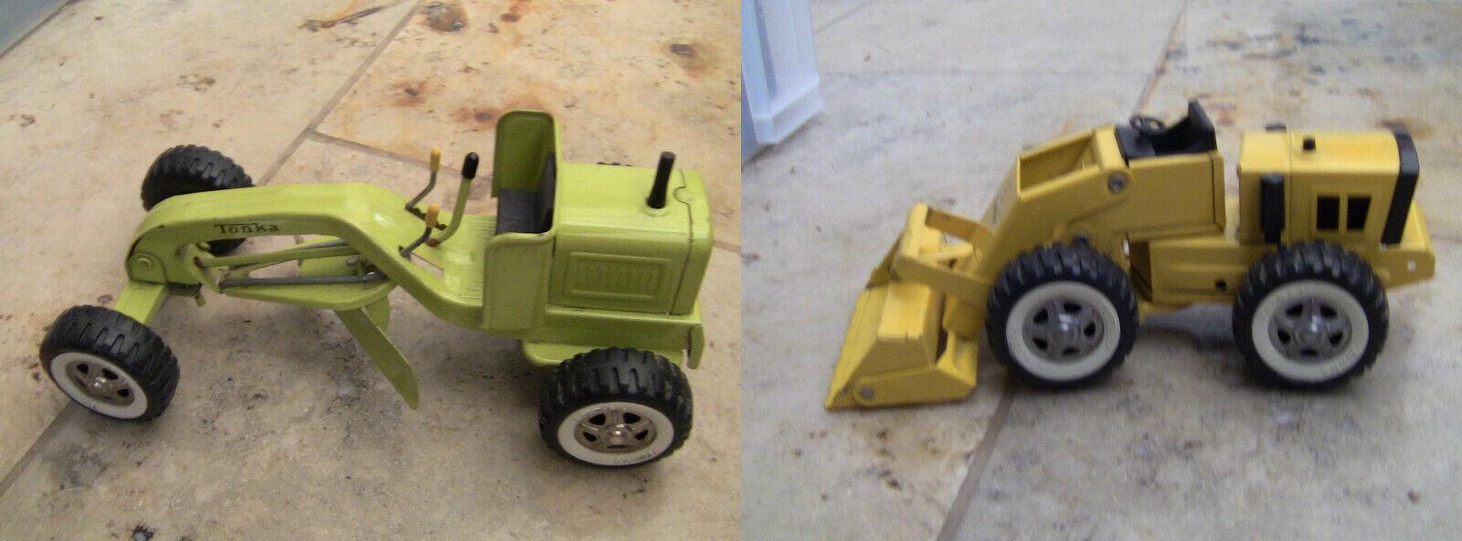 2 vintage Tonka toys Rare green road grader and    yellow Loader 1960's 1970's 67d