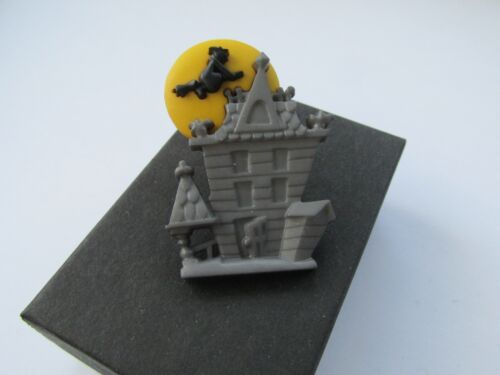 Boxed Halloween Scary Trick or Treat Witch Haunted House Brooch Lapel Tie Pin