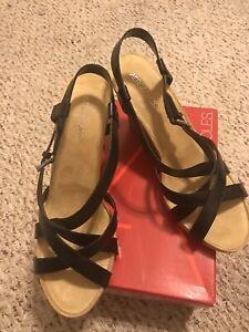 Aerosoles-At-First-Plush-Black-Strappy-4-Heel-Wedge-Sandals-Size-12-comfort