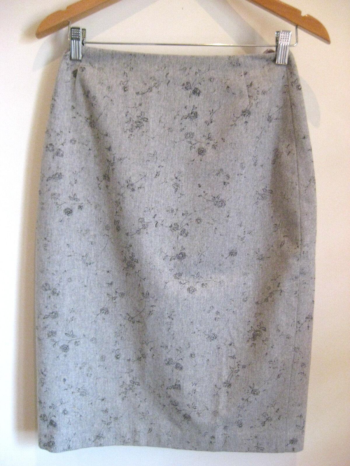 Emanuel Ungaro Size 10 Light Grey Wool Semi-Formal Skirt