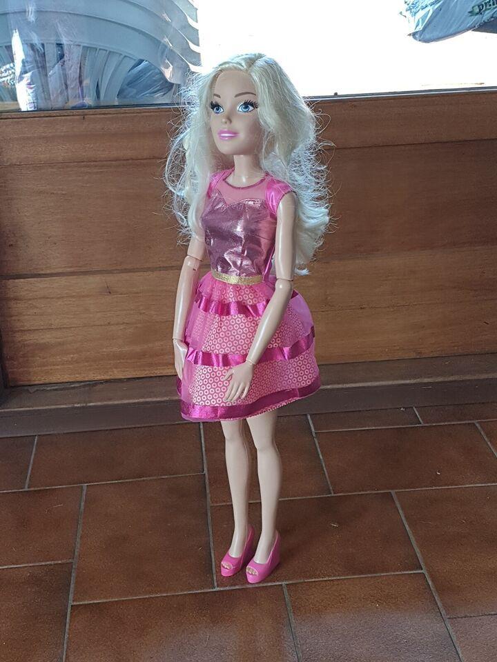 Barbie, Stor Barbie dukke