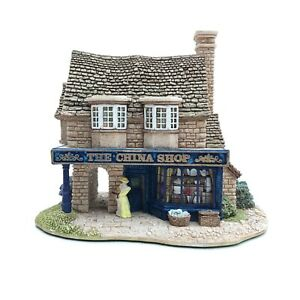 Lilliput-Lane-The-China-Shop-740-1995-BOXED-WITH-DEEDS