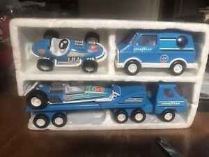 Vintage-Buddy-L-Custom-GoodYear-Van-and-Car-Hauler-amp-Race-Car-Set-5-Pieces
