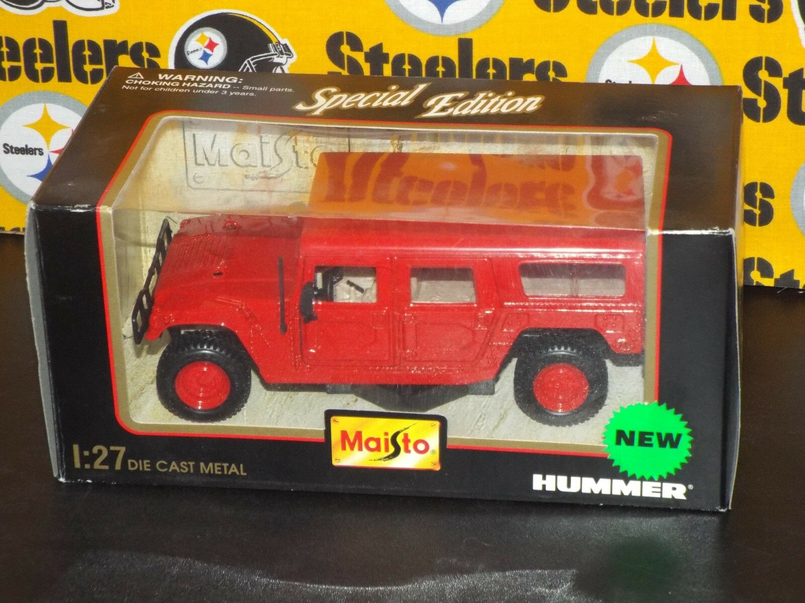 Maisto 1 27 Scale Die Cast Metal Red Hummer 1998