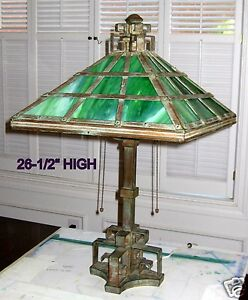 1920-1935-TIFFANY-STYLE-LAMP-for-TABLE-or-DESKTOP