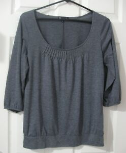 GAP-Shirt-Womens-Size-M-Gray-3-4-Sleeve-Pleated-Neckline-Top