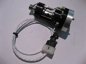 Small-Pneumatic-Gripper-for-Semiconductor-Electronics-Industry-NOS
