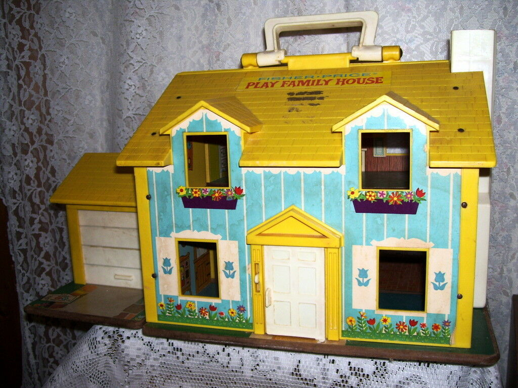 VINTAGE FISHER PRICE PLAY HOUSE
