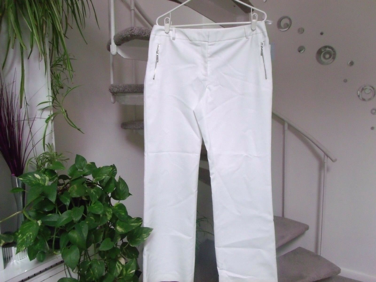 Andrew Marc Women's White Pants. Size 10. NWT